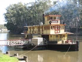 Australia, Echuca - Emmylou paddle steamer